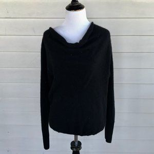 Neiman Marcus Black Cashmere Pull Over Sweater